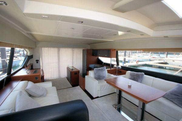 Prestige 590 | Jacht makelaar | Shipcar Yachts
