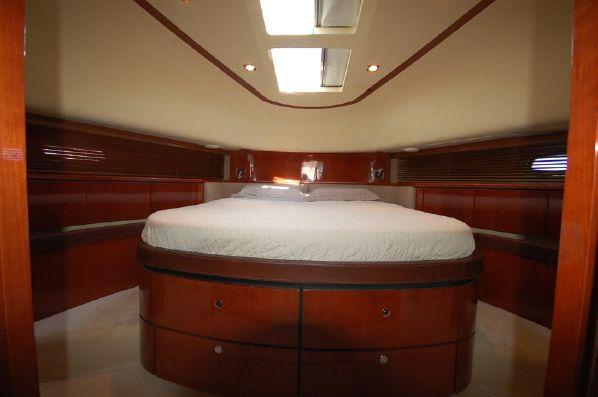 Fairline Squadron 68 | Jacht makelaar | Shipcar Yachts