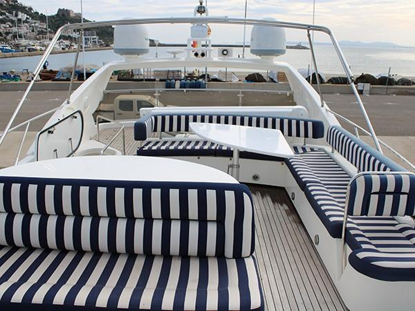 Sunseeker Manhattan 74 | Jacht makelaar | Shipcar Yachts