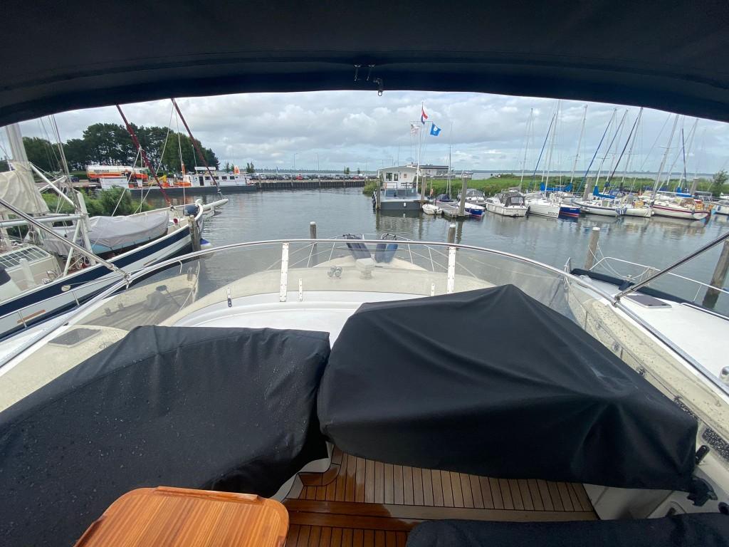 Sealine T52   Jacht makelaar   Shipcar Yachts