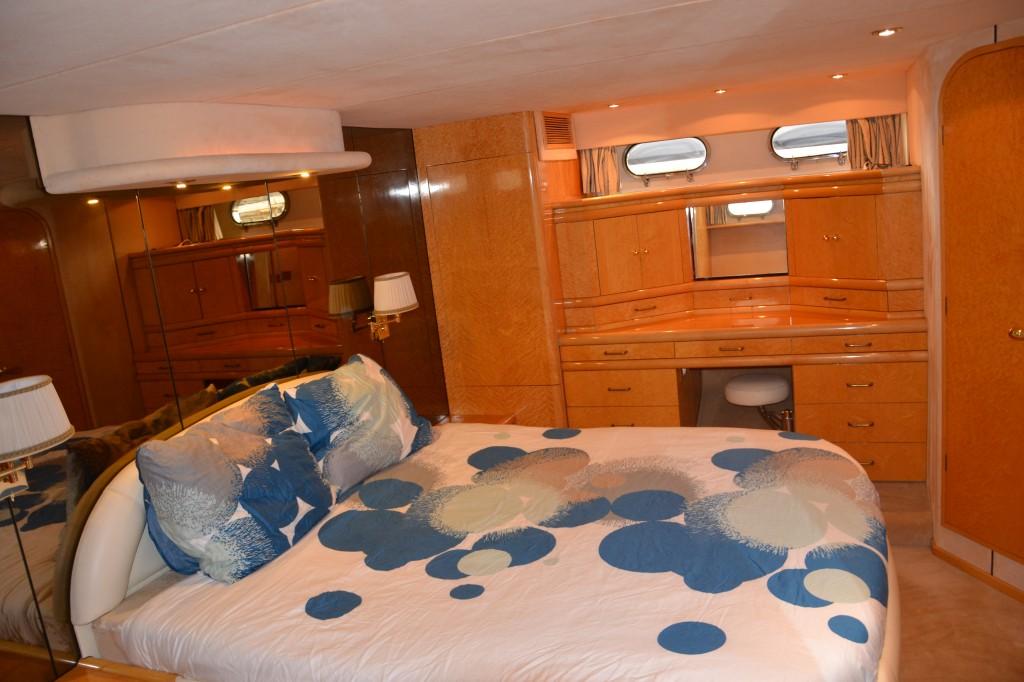 Fairline Squadron 62 | Jacht makelaar | Shipcar Yachts