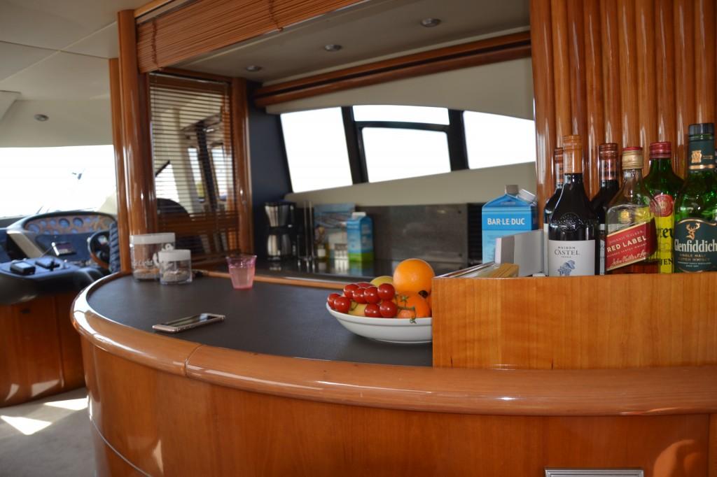 Sunseeker 74 Manhattan | Jacht makelaar | Shipcar Yachts
