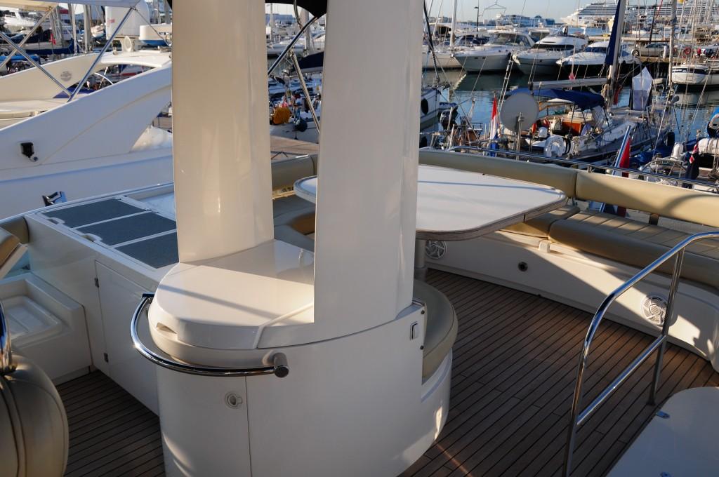 Fairline Squadron 58 | Jacht makelaar | Shipcar Yachts