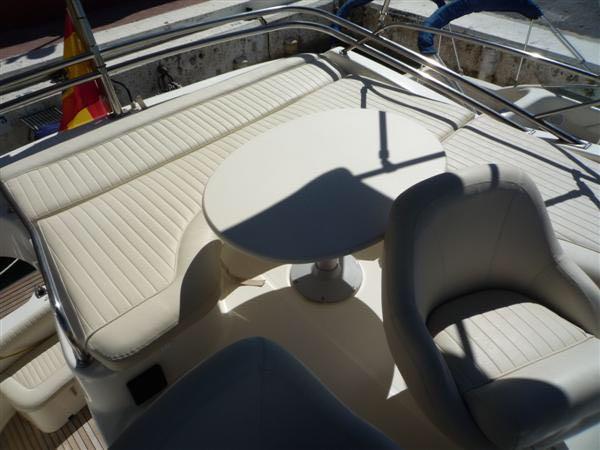 Prestige 32 | Jacht makelaar | Shipcar Yachts