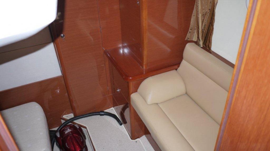 Prestige 38 S Hard Top | Jacht makelaar | Shipcar Yachts