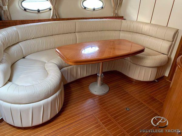 Princess V 42 | Jacht makelaar | Shipcar Yachts