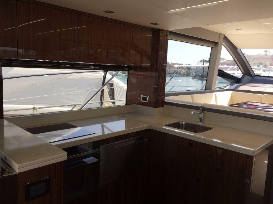 Sunseeker Manhattan 52 | Jacht makelaar | Shipcar Yachts