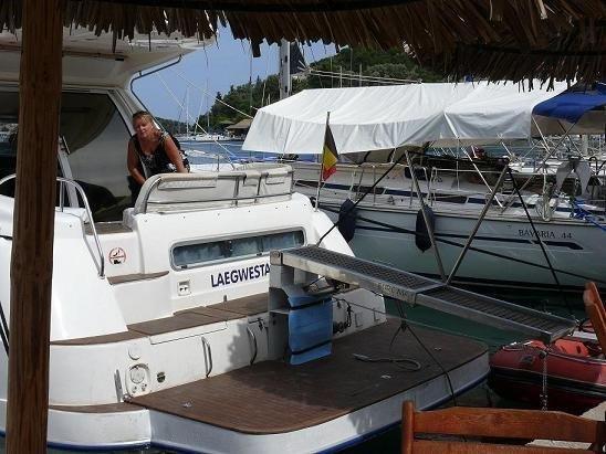 Sealine 410 | Jacht makelaar | Shipcar Yachts