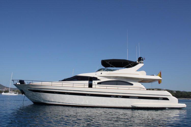 Astondoa  GLX 72 | Jacht makelaar | Shipcar Yachts