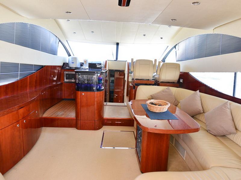 Fairline Phantom 50 | Jacht makelaar | Shipcar Yachts