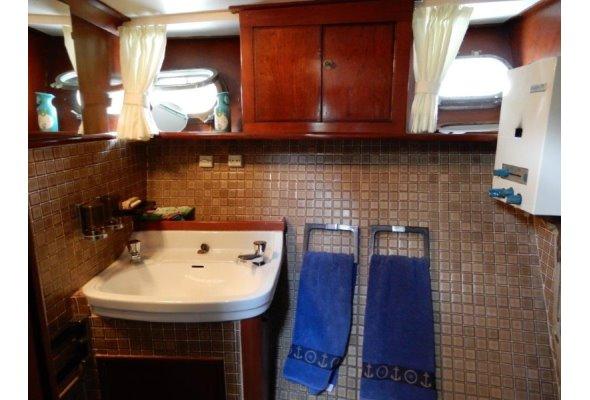 Super Van Craft 13.20m   Jacht makelaar   Shipcar Yachts