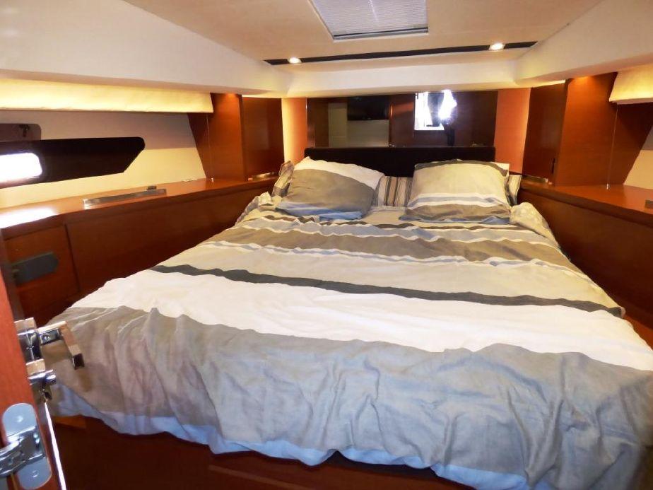 Prestige 420 Fly | Jacht makelaar | Shipcar Yachts