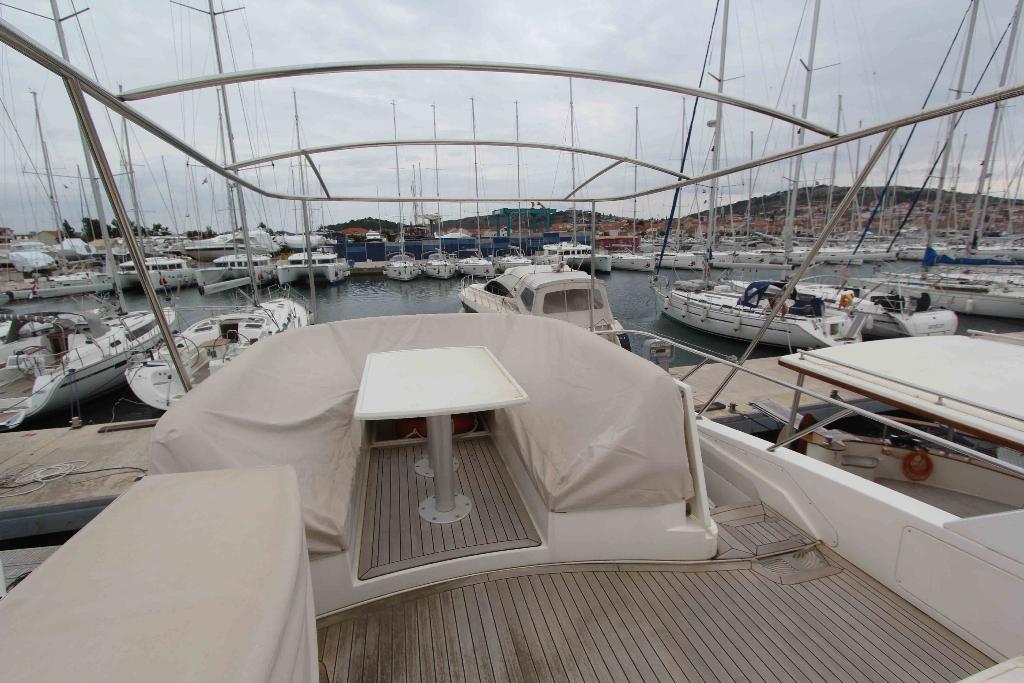 Sealine  T50 | Jacht makelaar | Shipcar Yachts