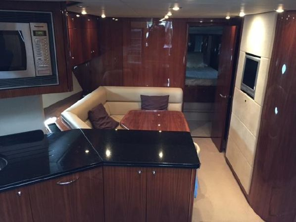 Sunseeker Predator 72 | Jacht makelaar | Shipcar Yachts