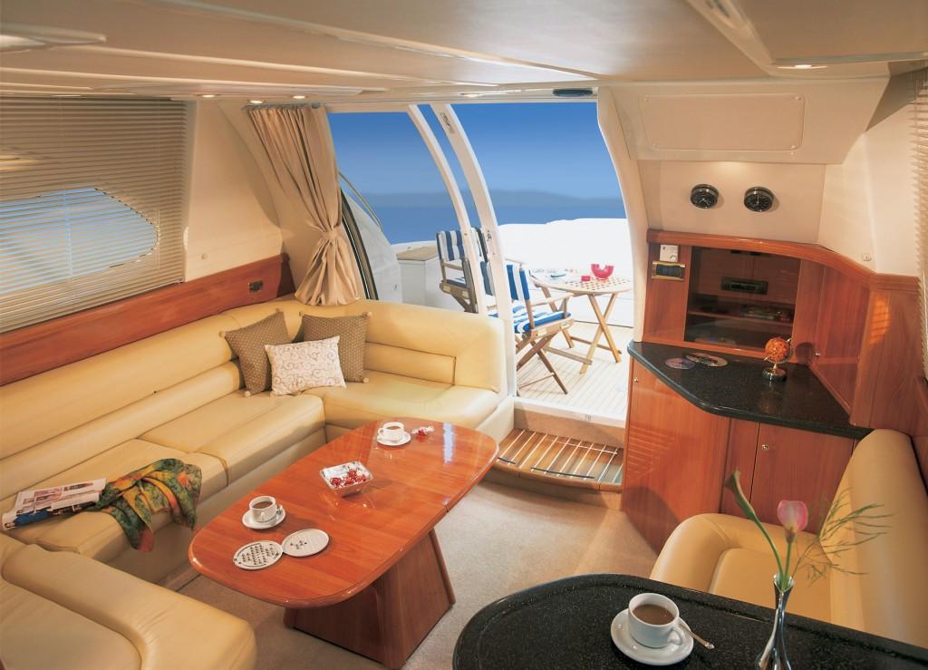 Sealine F42/5 3 cabines | Jacht makelaar | Shipcar Yachts