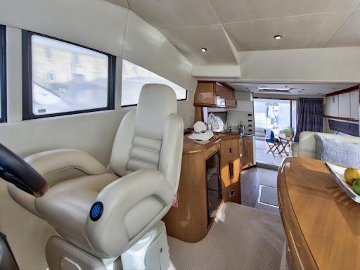 Sunseeker  Manhatten 56  | Jacht makelaar | Shipcar Yachts