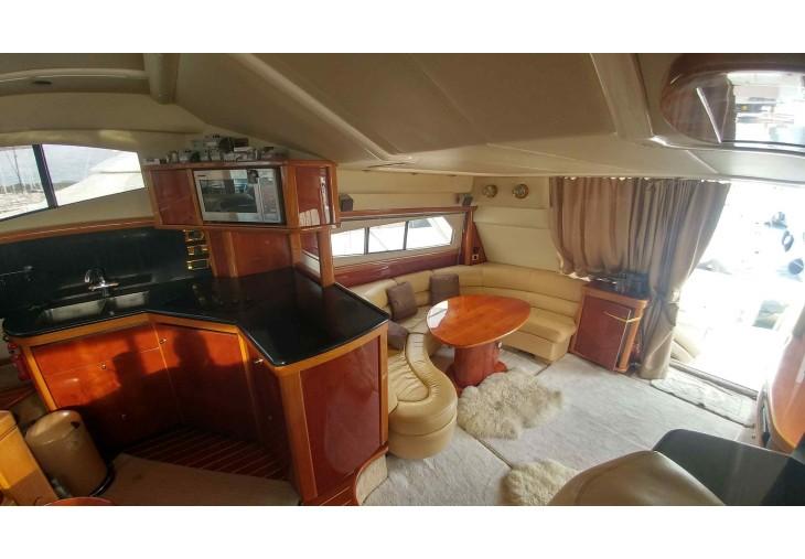 Sealine T 52 | Jacht makelaar | Shipcar Yachts
