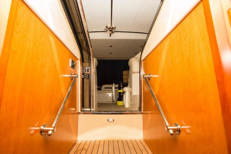Sunseeker Predator 68 | Jacht makelaar | Shipcar Yachts