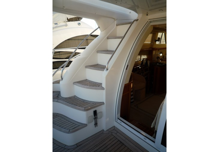 Sealine T47 | Jacht makelaar | Shipcar Yachts